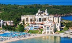 Marina Royal Palace, Bulgaria / Duni